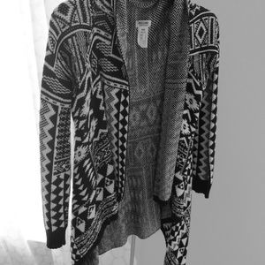 Black and White Aztec printed sidetail cardigan